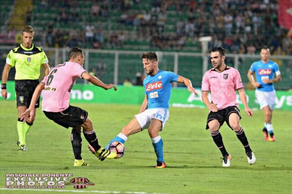Serie A, Napoli-Palermo 1-1: una papera salva gli azzurri