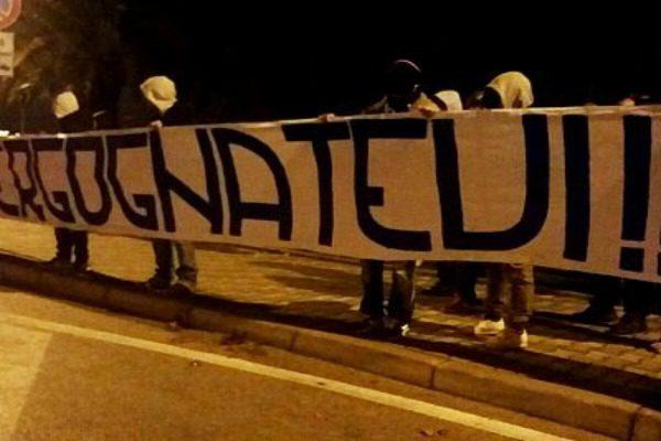 Pescara, dura contestazione dei tifosi alla cena di Natale