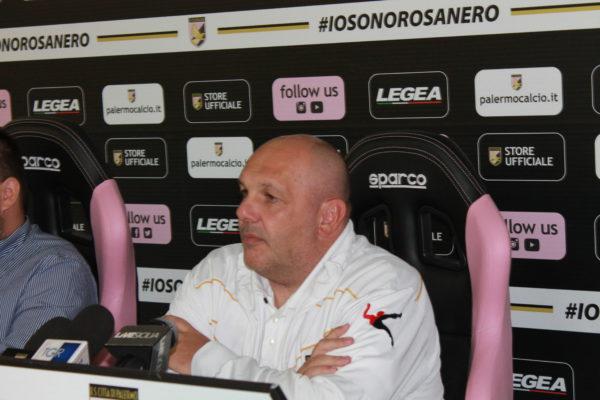 Reazione rosanero, battuto il Carpi: prima vittoria esterna