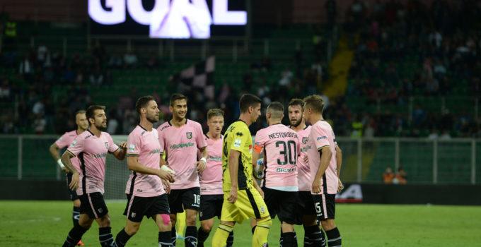 palermo-pro-vercelli-ilovepalermocalcio-16 gol nestrovski esulta squadra