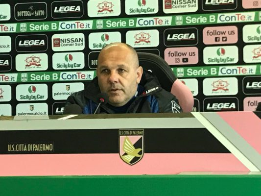 Palermo, Tedino rischia: l'allenatore Gianni De Biasi già in tribuna a Cittadella