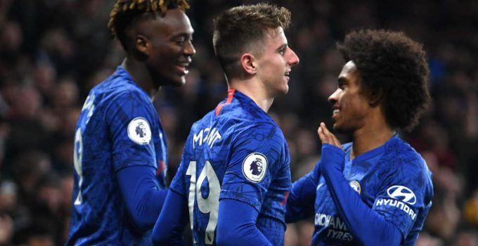 chelsea-celebrate-after-mason-mount-scores-the-second