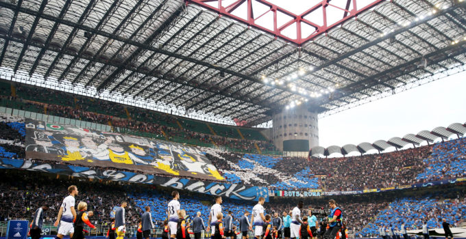 MILAN, ITALY - SEPTEMBER 18:  The players and offcials walk out for the Group B match of the UEFA Champions League between FC Internazionale and Tottenham Hotspur at San Siro Stadium on September 18, 2018 in Milan, Italy.  (Photo by Dan Istitene/Getty Images)