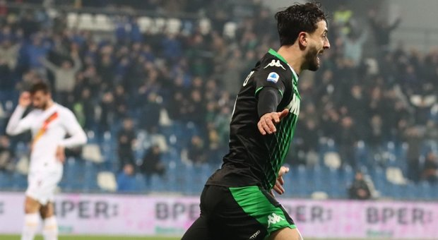 Sassuolo's Francesco Caputo      jubilates after scoring the goal during the Italian Serie A soccer match US Sassuolo vs AS Roma at Mapei Stadium in Reggio Emilia, Italy, 01 February 2020. ANSA / ELISABETTA BARACCHI