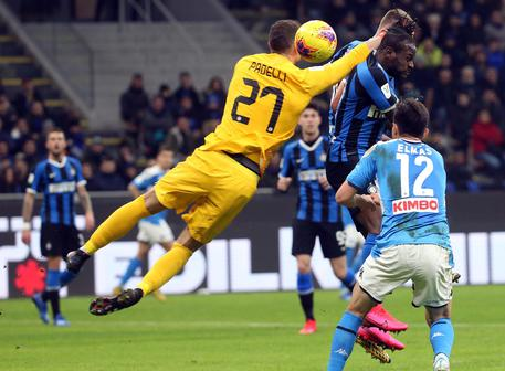 Inter?s goalkeeper Daniele Padelli in action during the Italy Cup semi-final first leg soccer match Inter FC vs SSC Napoli at the Giuseppe Meazza stadium in Milan, Italy, 12 February 2020. ANSA/MATTEO BAZZI