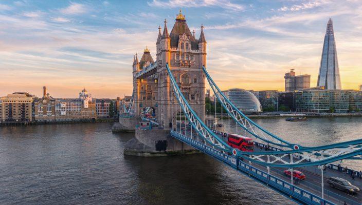 Covid, anche Londra torna in lockdown: emanate misure più strette