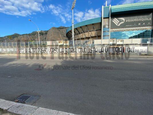 """FOTO: striscione CNI al """"Renzo Barbera"""" - Ilovepalermocalcio"""